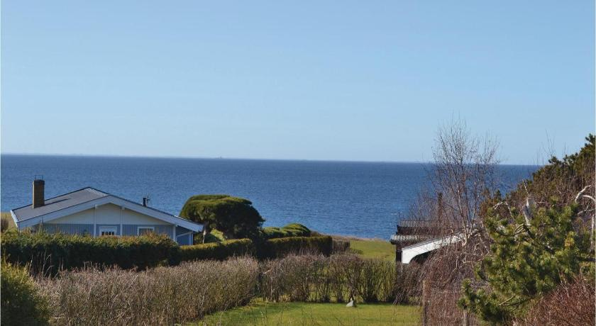 Three-Bedroom Holiday home Slagelse with Sea View 01