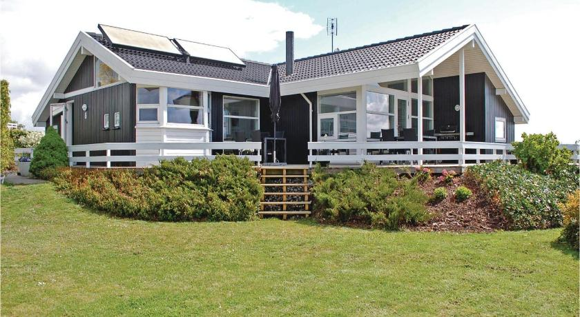 Holiday home Stenhøjvej Rønde X