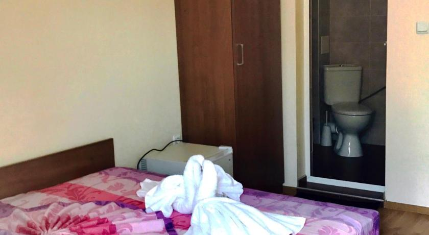 Double or Twin Room with Balcony Guest House Natali