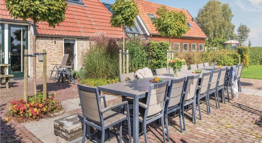have Holiday Home De Turfhoeke 04