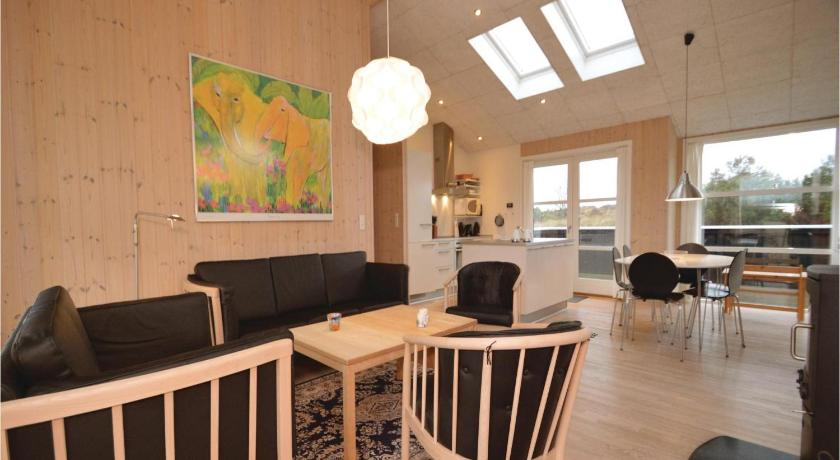Three-Bedroom House - Separate living room Holiday home Solhaven Blåvand XI