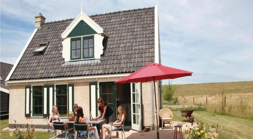 Holiday Home Wiringherlant-Villa 01