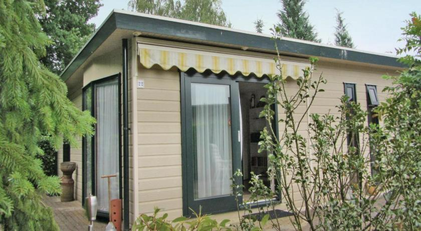 Two-Bedroom Holiday home Stegeren 0 03