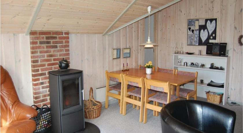 Three-Bedroom House Holiday home Sydskrænten XI
