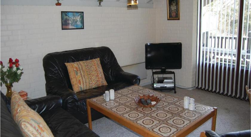 Three-Bedroom House - Separate living room Holiday home Gl. Strandvej Henne X