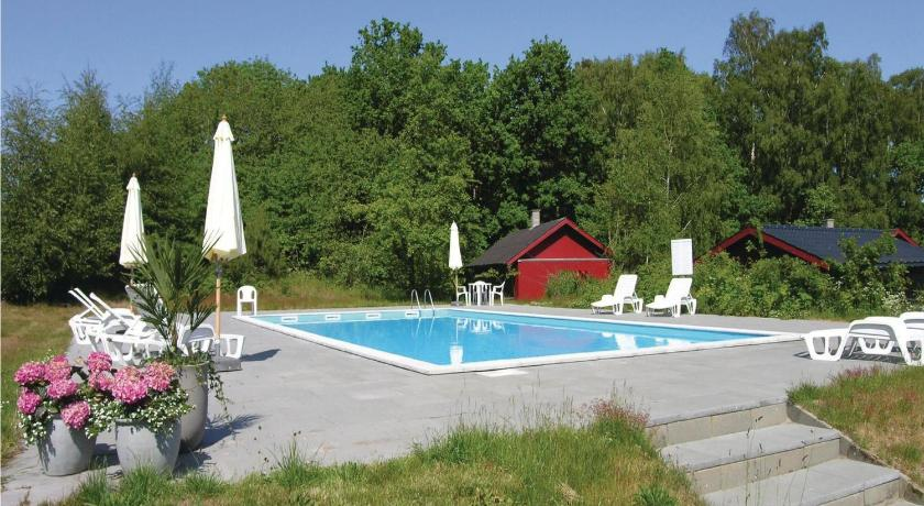 Swimming pool Dueodde Ferieby 46