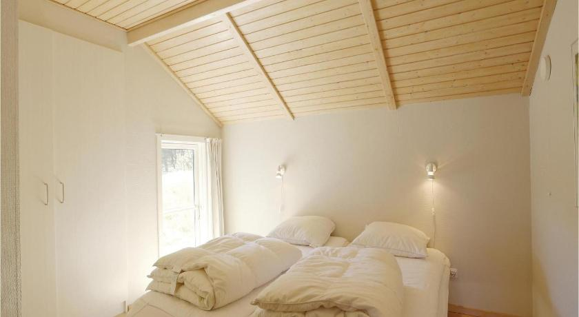 Three-Bedroom Holiday Home Holiday home Aakirkeby *LIII *