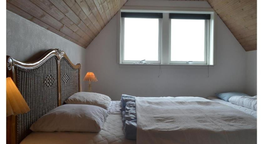 Three-Bedroom House - Guestroom Holiday home Tingodden Hvide Sande V