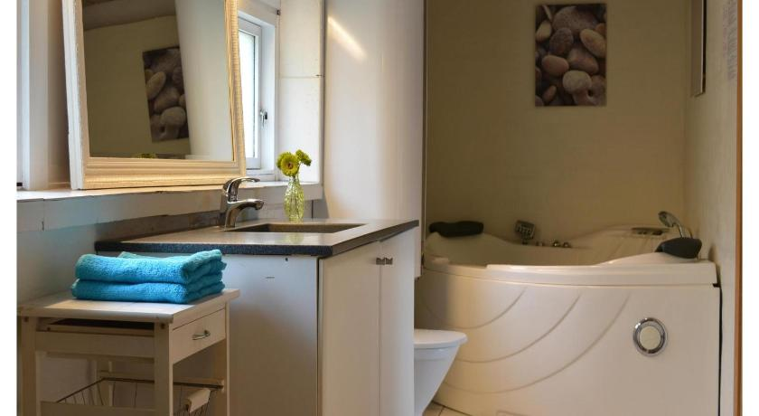 Bathroom Holiday home Tingodden Hvide Sande V