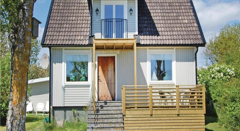 Strandstuga i Hllevik- 4 bddar- Strandstuga nr 2 - Cabins for