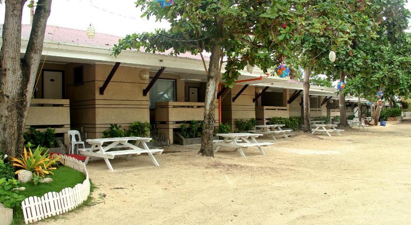 BlueFins Resort Hadsan Cove Resort Barangay Agus LapuLapu City