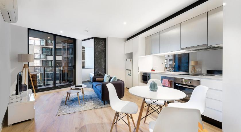 Ifstays serviced apartment upper west side at cbd for Upper west side apartment