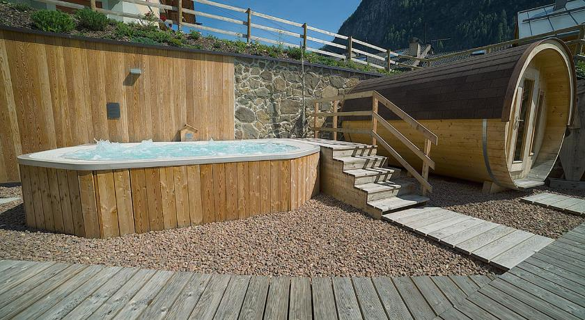 Best Price On Chalet Marcora In Campitello Di Fassa Reviews