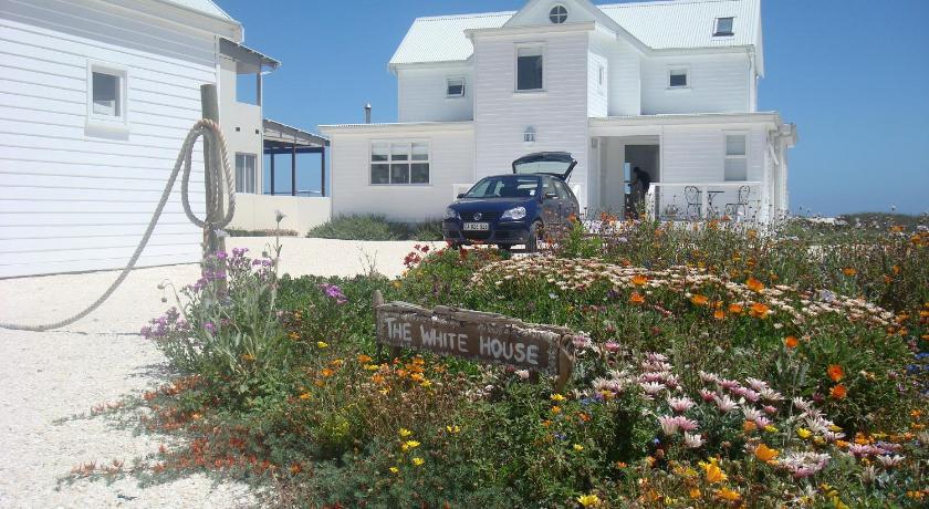 The White House Beach Villa Yzerfontein