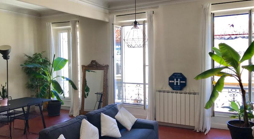 Best Price on Appartement type Haussmannien, T3 plein centre ville ...