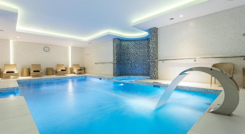 Swimming pool Aria Spa Hotel