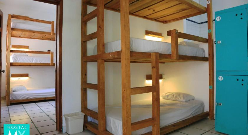 Bed in 12-Bed Mixed Dormitory Room Hostal MX