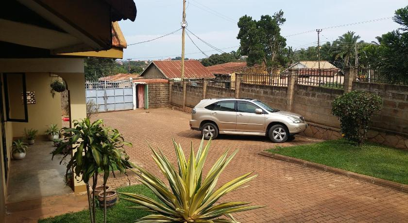 Vista exterior 2 Bedroom Furnished House Kiwatule