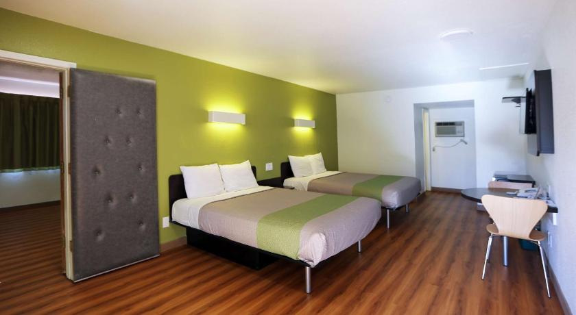 Queen Room With Two Beds Non Smoking Motel 6 Payson
