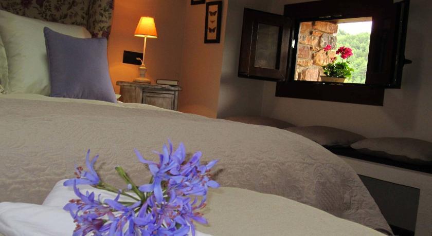 hoteles con encanto en bisaurri  5