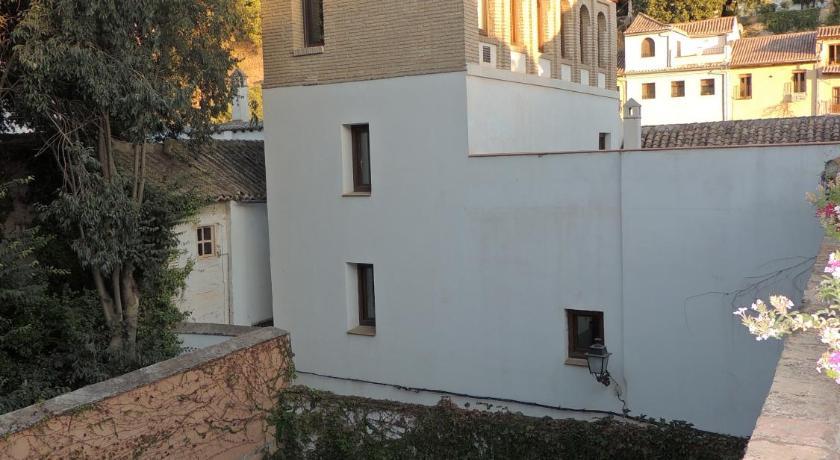 hoteles con encanto en granada  13