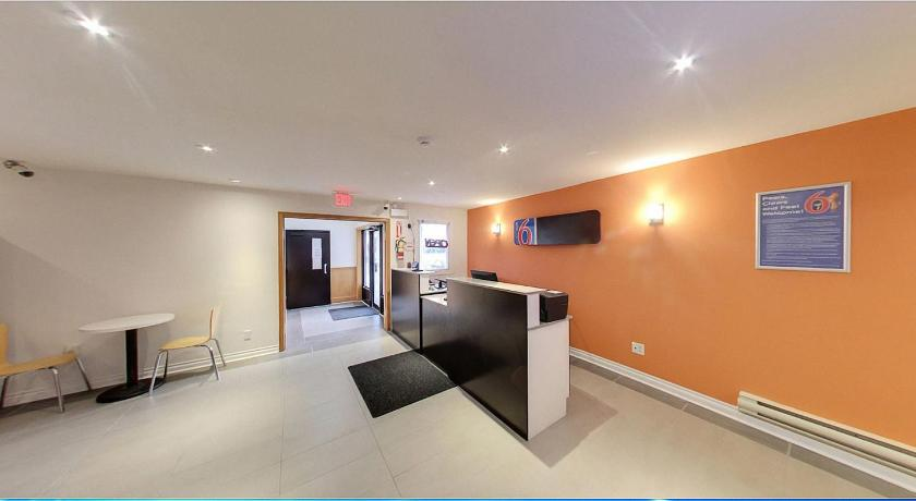 Motel 6 Sudbury ON