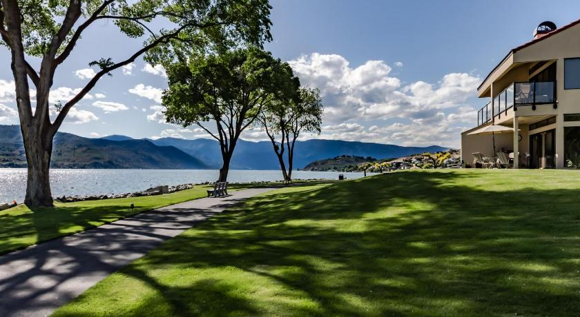 Lake Chelan Shores: Rowboat Serenity (#17-9)