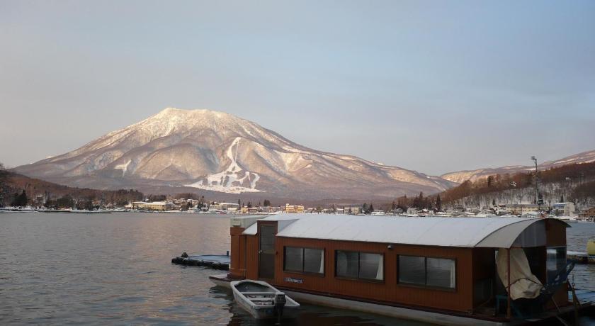 Nojiri Lakeside Hotel