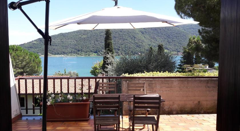 Awesome Terrazza Sul Lago Gallery - Modern Home Design - orangetech.us