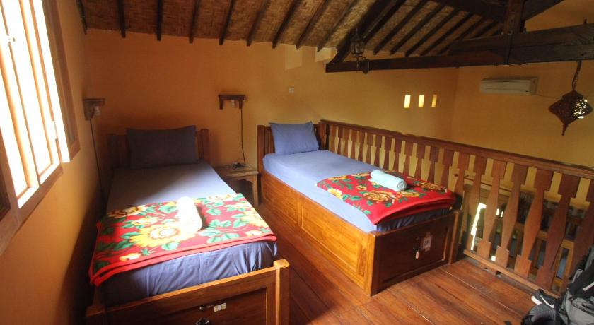Bed in 6-Bed Mixed Dormitory Room - Guestroom Botchan Hostel