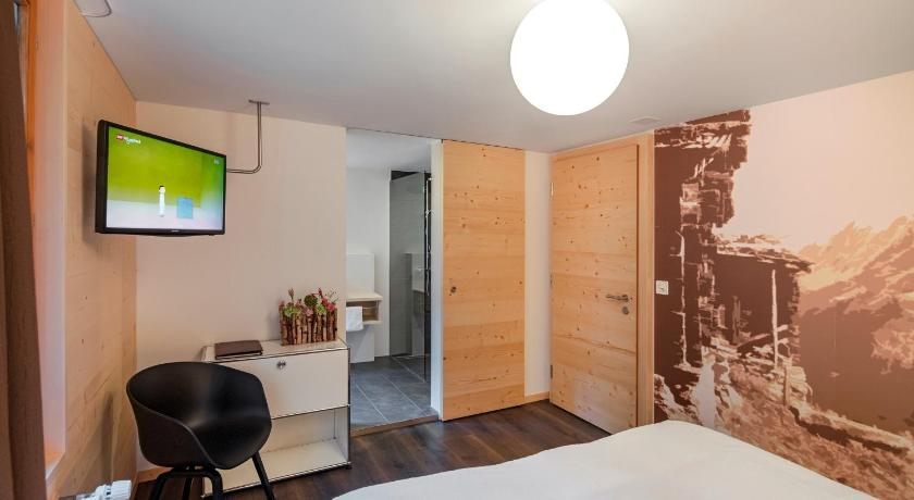 Double Room - Guestroom Hotel Breithorn