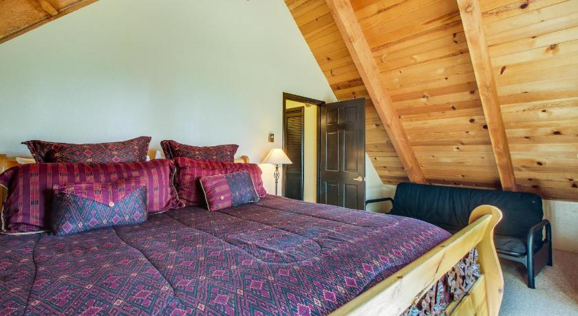 Three-Bedroom Holiday Home - Guestroom Wildwood Tahoe Vista Lodge