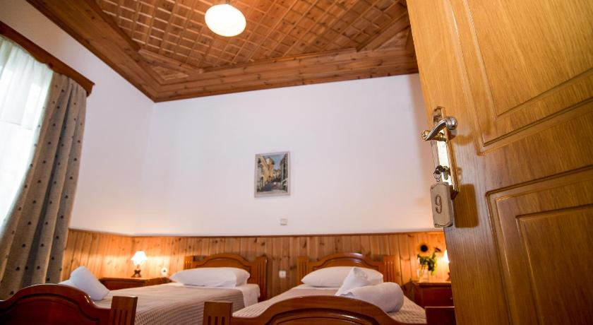 Single Room with Private External Bathroom - Guestroom Hotel Kalemi