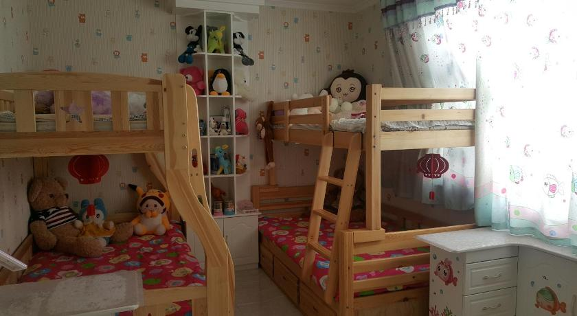 Ejin Ruixin Homestay Second Section
