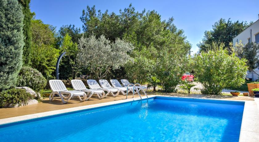 Swimmingpool Apartments & Villa Darko