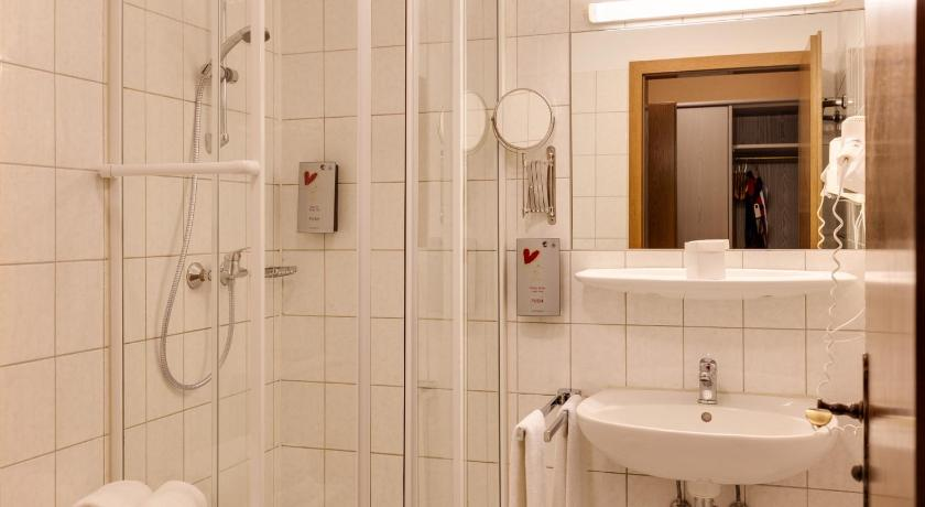 Single Room - Bathroom Hotel Die Kleine Blume