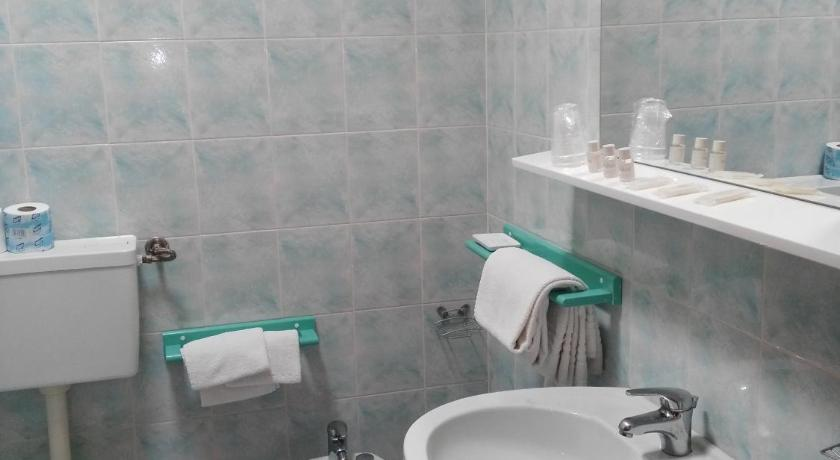 Single Room - Bathroom Hotel La Meridiana