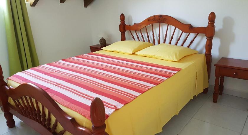 haut de villa 3 chambres   book online   bed & breakfast europe