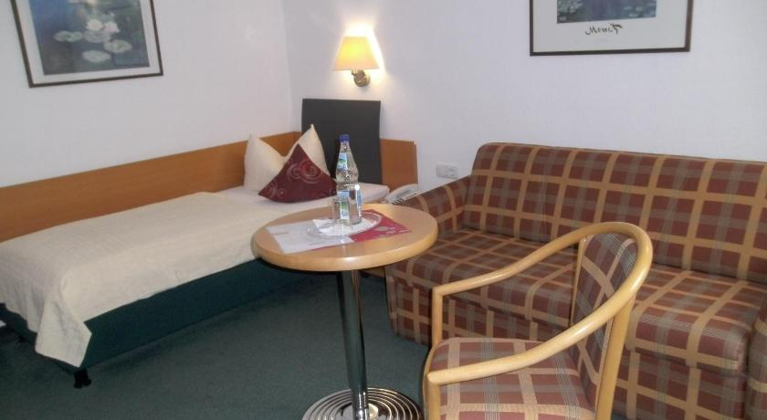 Single Room - Guestroom Hotel Am Wald