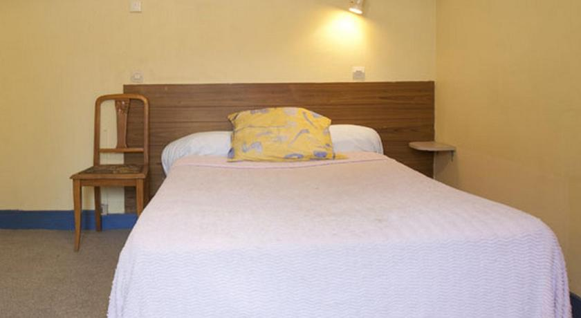 Double Room with Shared Shower and Toilet - Guestroom Hotel Alhambra