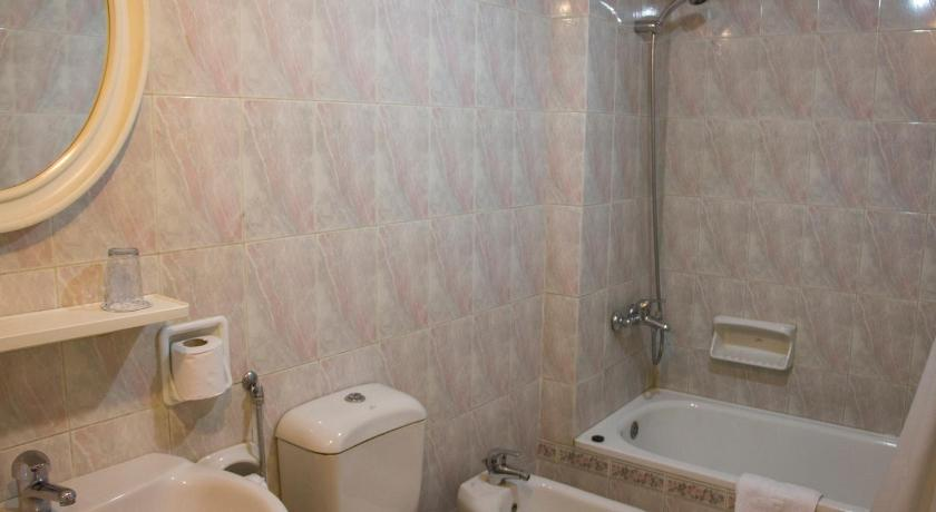 Standard Single Room - Bathroom Horus House Hotel Zamalek