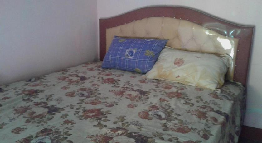 Budget Single Room - Bed Radiah Homestay