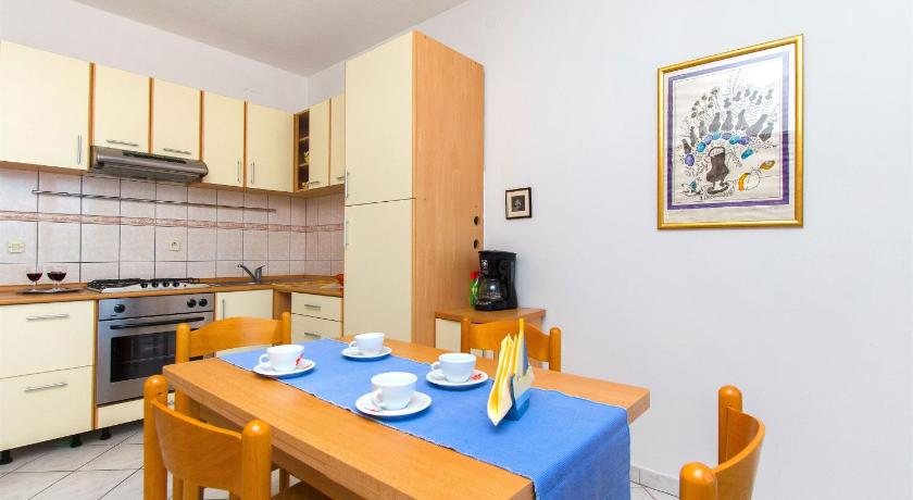 Two-Bedroom Apartment Apartment Renata