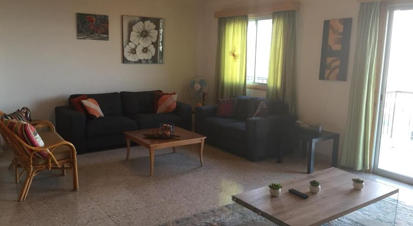 Three-Bedroom Apartment Pissouri Heights Apartments