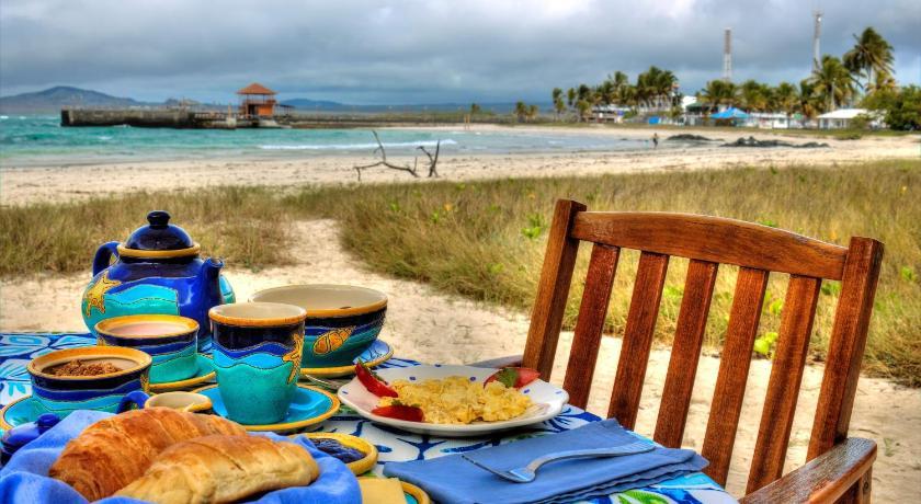 The Isabela Beach House Conocarpus And Puerto Villamil