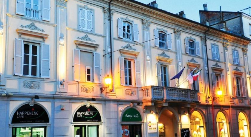 More about Living Inn Valenza