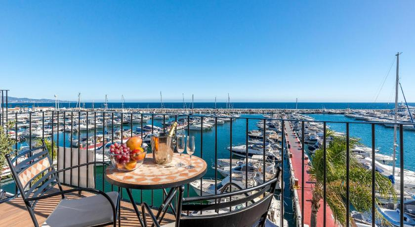 Apartment with Sea View Spectacular Penthouse First Line Puerto Banus