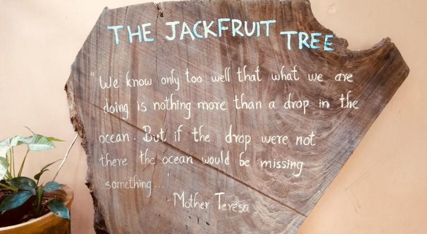 ذا جاكفروت تري آت بيتش بنغل (The Jackfruit Tree at Beach Bungalow)