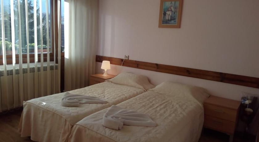 Double or Twin Room with Mountain View - Bed Guest House Planinski Zdravets