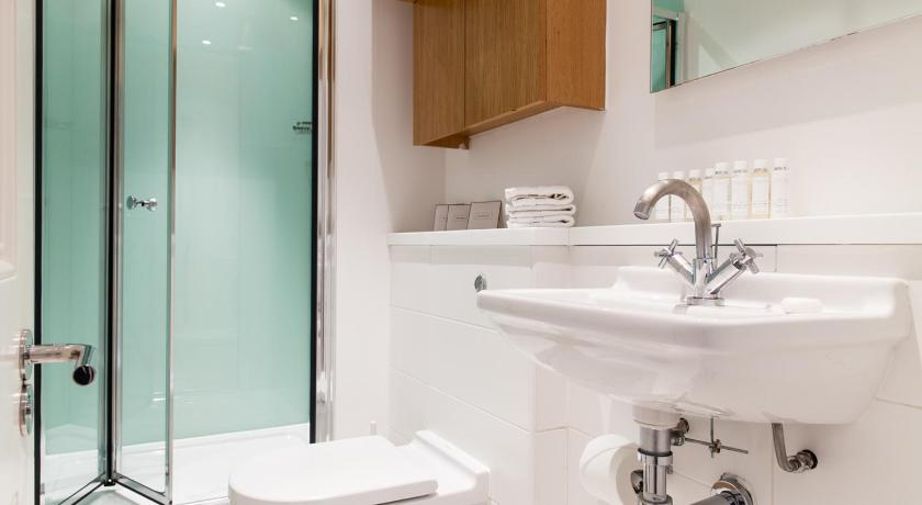 Best price on blueprint living apartments doughty street in london bathroom blueprint living apartments doughty street malvernweather